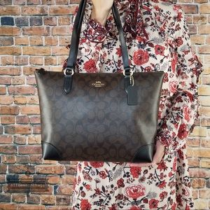Coach signature city zip canvas black brown tote
